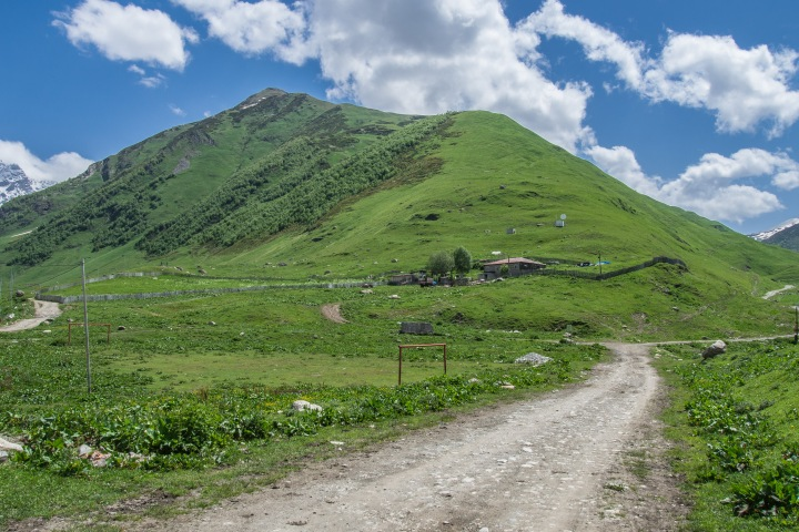 Uszguli Swanetia Gruzja szlaki trekking