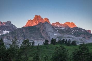 Pireneje Somport wschód słońca
