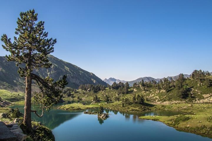 Lacs de Bastan Pireneje trekking szlak