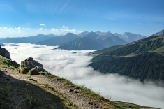 Pireneje morze chmur Valle Aure