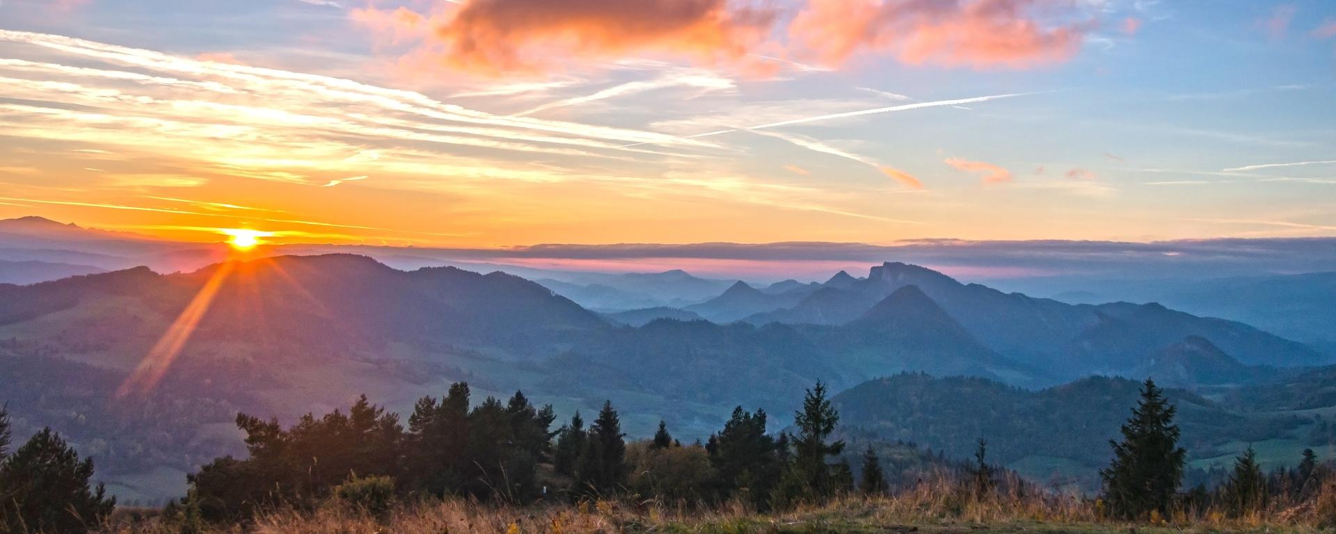 jesienny zachód słońca w Pieninach