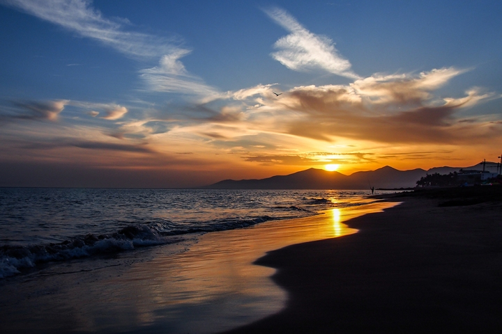 Puerto del Carmen Playa Grande zachód słońca