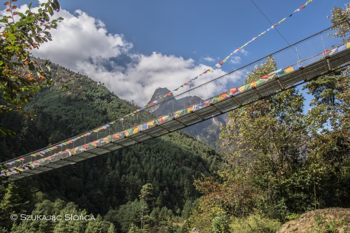 most wiszący Himalaje trekking
