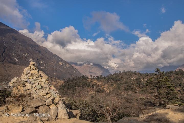 Khumjug La, niestety Ama już w chmurach
