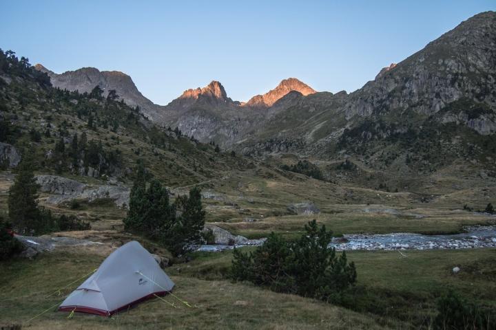 Pireneje, namiot, biwak, biwakowanie na dziko Pireneje, Marcadau, Wallon