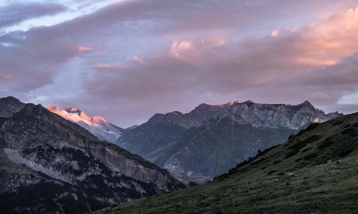 Vignemale wschód słońca Pireneje